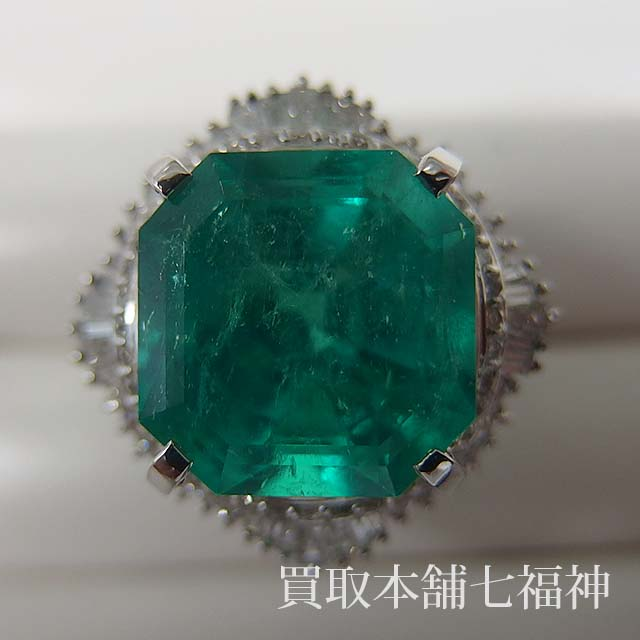 Pt900 エメラルドリング メレダイヤモンド付