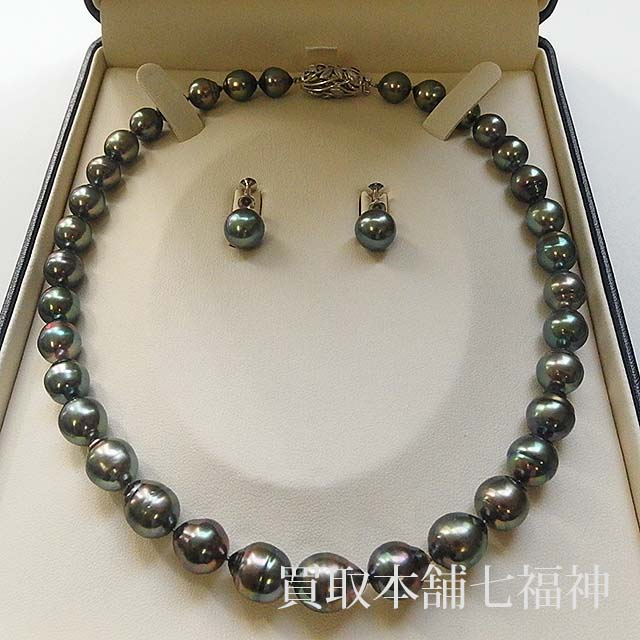 田崎真珠のパールネックレスとイヤリング