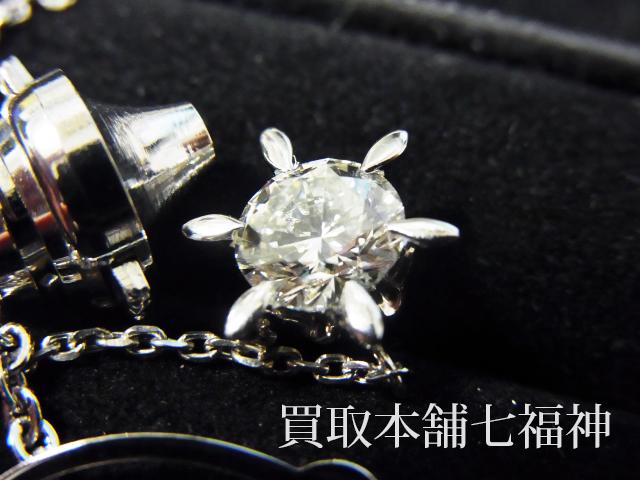 ココ山岡のダイヤモンド付きプラチナタイタック