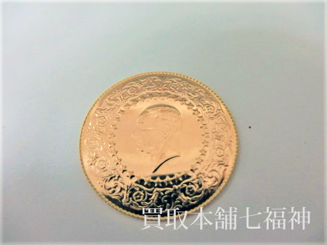 K22トルコの100クルシュ金貨